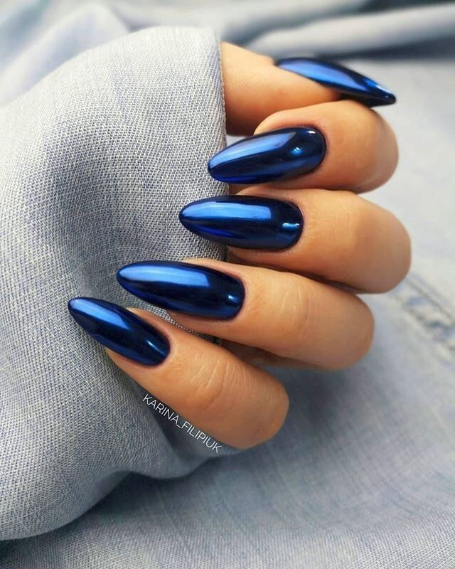 Photo of blue chrome nails
