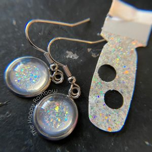Making earrings with Color Street finished product